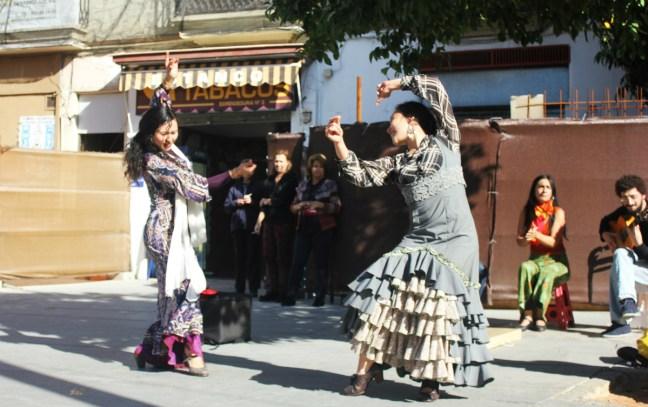 Flamenco street dancers in Seville - Charlie on Travel
