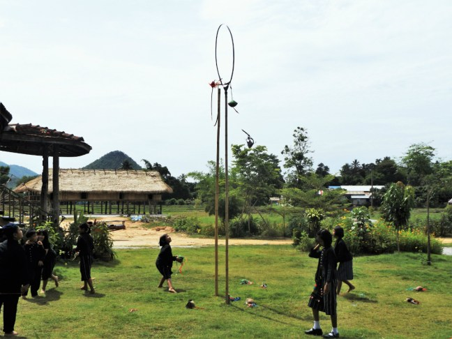 Tai Dam Village Thailand Loei Province - hoop game - Charlie on Travel