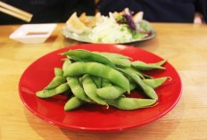 Steamed edamame beans