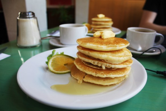 Squimz hotcakes Valladolid Mexico - Charlie on Travel