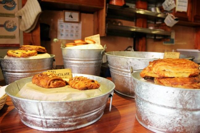 san-cristobal-de-las-casas-mexico-pastries-at-oh-la-la-charlie-on-travel