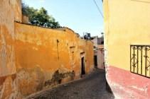 San Miguel de Allende Mexico - alley Charlie on Travel