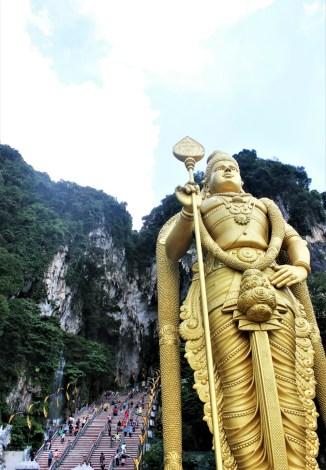Batu Caves Glld Statue Kuala Lumpur Travel Guide