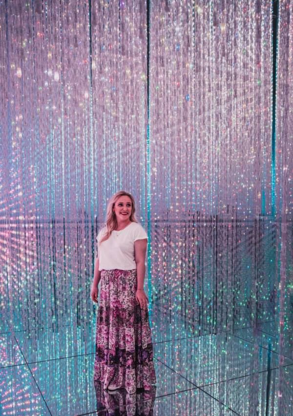 How to take photos at teamLab Borderless in Japan.