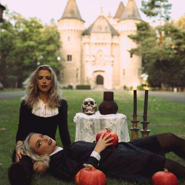 Creative Photoshoot Ideas For Halloween
