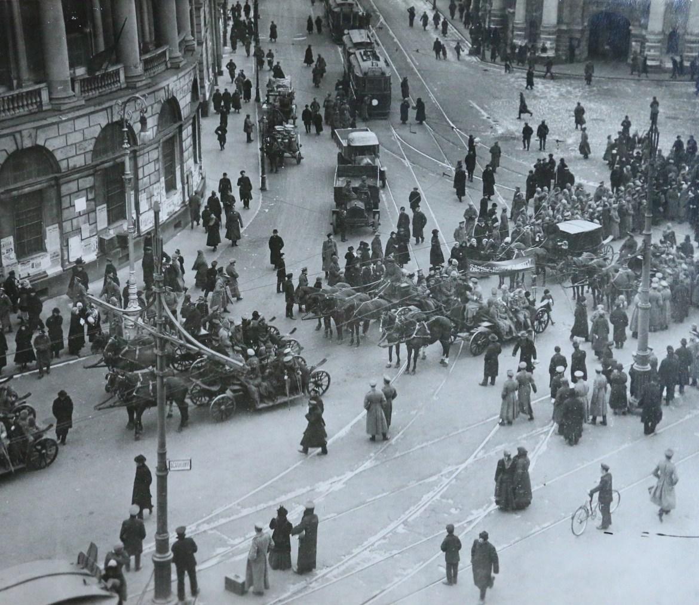 Demonstracja inwalidów wojennych 1917. Źródło: https://flic.kr/p/od4wTn
