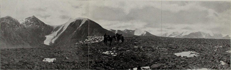 Panoramiczne zdjęcie z książki o odkrywaniu Mongolii. Źródło: https://flic.kr/p/ovWZow