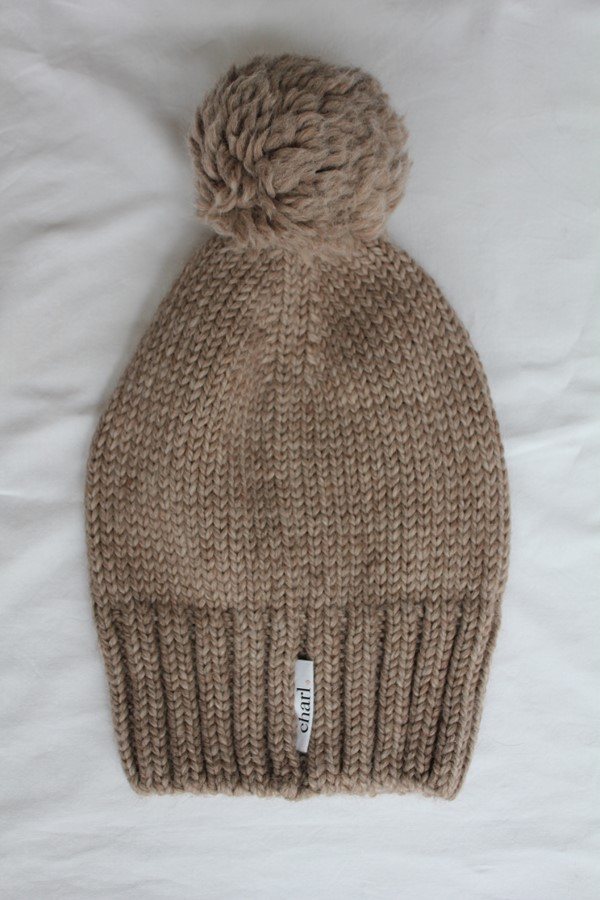 Charl Knitwear Chunky knitted bobble hat