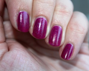 China_Glaze_Flying_Dragon_neon_pink_pailleté (4)