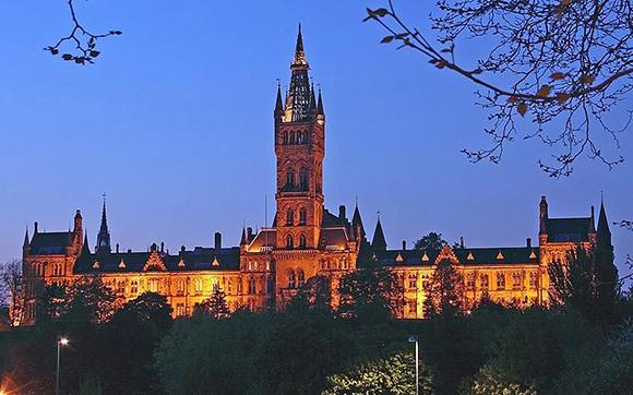Glasgow-University-At-Night