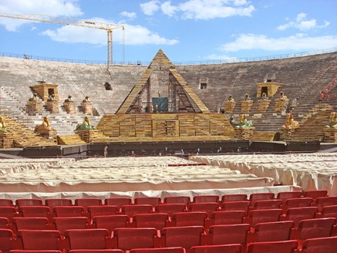 Aida-Set-2010