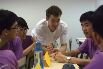 Robin Willard (University of Exeter) helping his Purple class students