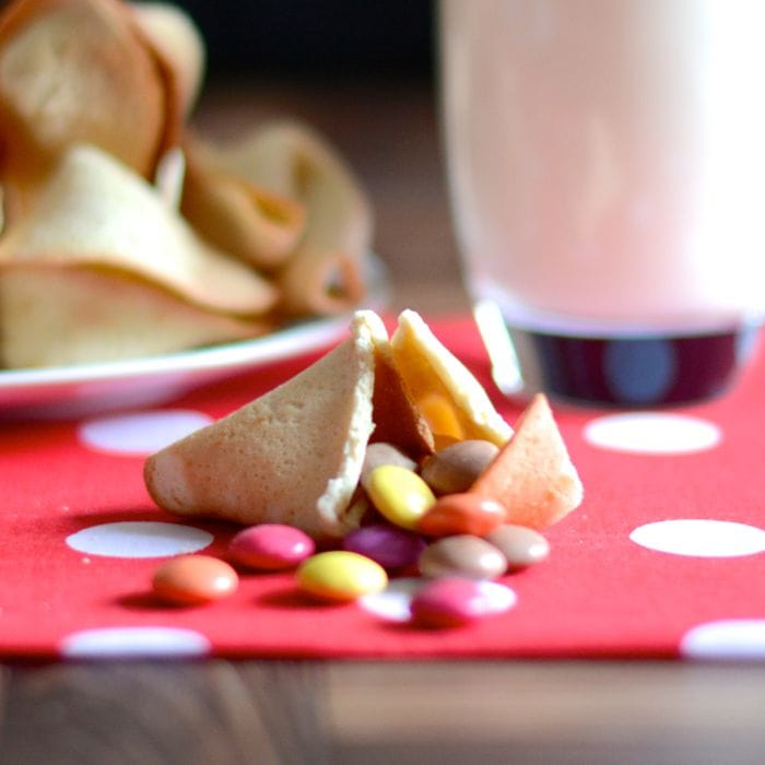 Add a fun twist to a dinner party or surprise someone with a special message with homemade fortune cookies. Add sweets as an alternative for children.