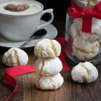 Amaretti biscuits 2