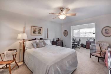 master bedroom in 630 Mockingbird Lane in Branchlands