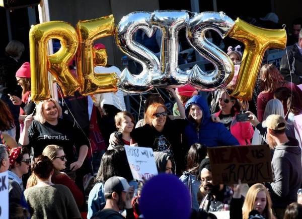 women's march clt_crowd