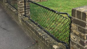 Stretcher fences