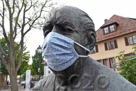 Maskenpflicht, Autor: Charlotte Moser