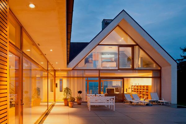 デンマークのエレガントでモダンな邸宅-ヘニングラーセンアーキテクツホームステイティクスによるサンクチュアリハウス