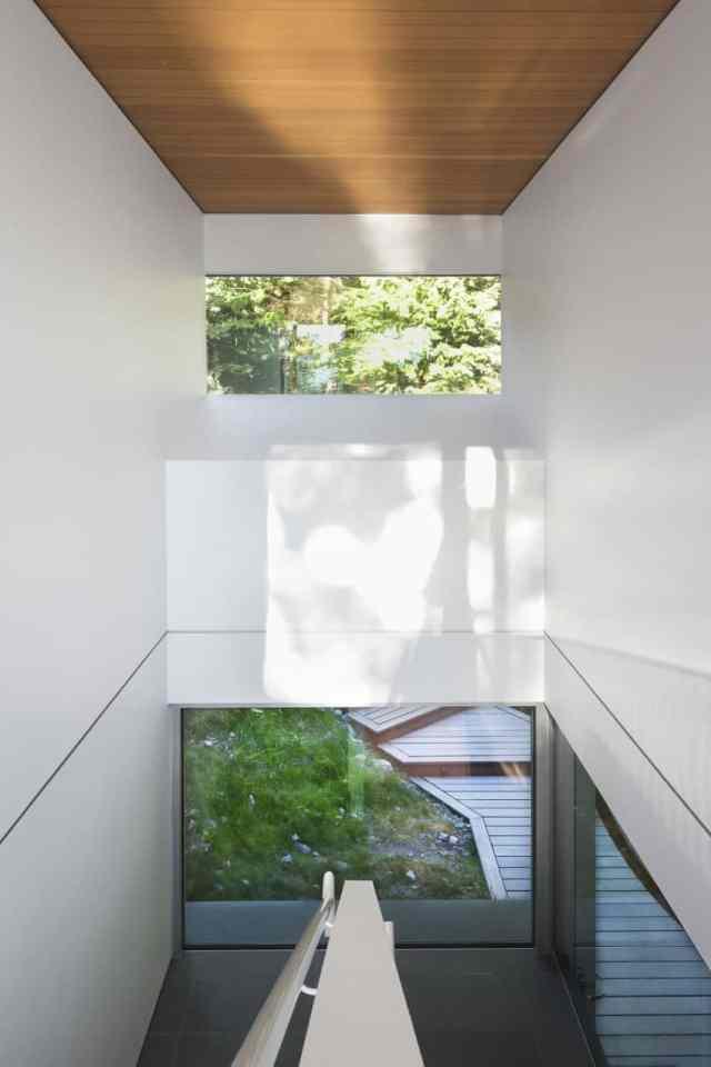マクファーレン・ビガー・アーキテクツ+デザイナーによるロッキーショアの劇的な島の隠れ家(7)
