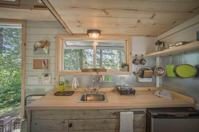 小さな家のアイデアのためのキッチン収納