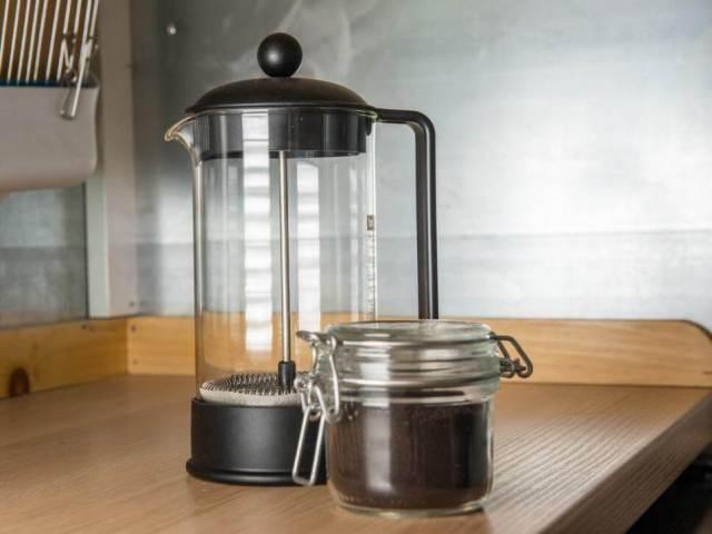 コーヒーテーブルの小さな家