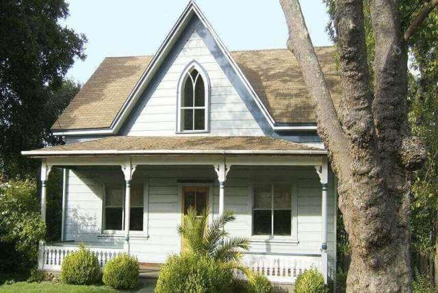 小さな家のデザイン-2階建ての家