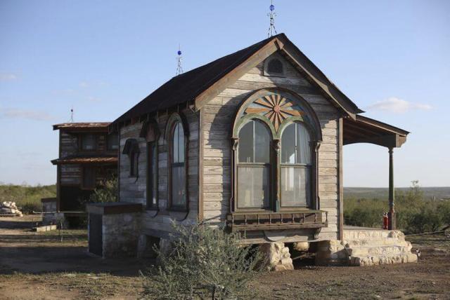 アンティークの小さな家のデザインのアイデア