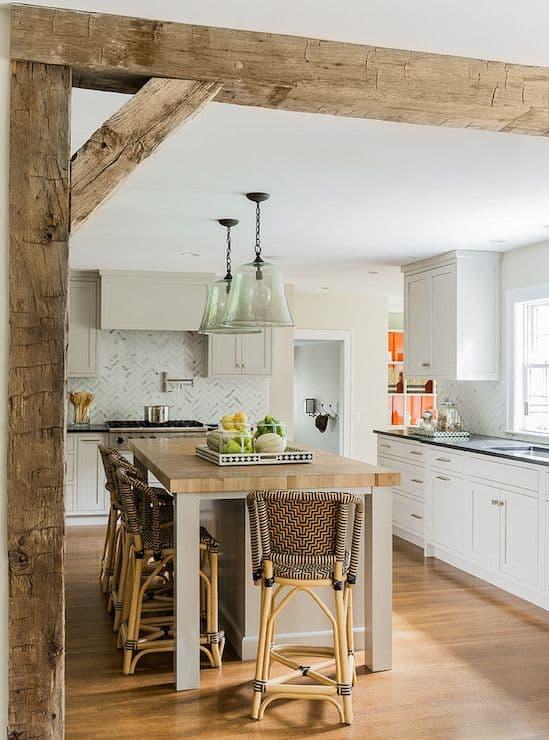 45.基本的な、小さく、居心地の良いキッチン