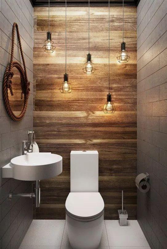 61.グレーボーダーズ木製壁浴室アクセント