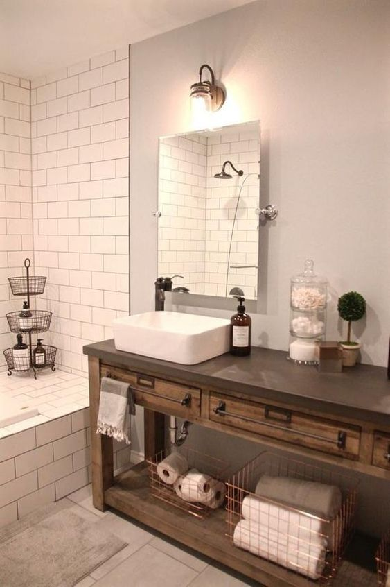 26.コンクリートの上が付いている浴室の木のカウンター