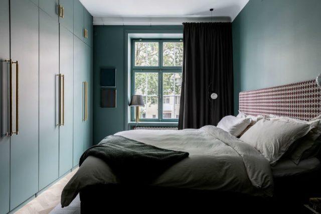 緑のスカンジナビアの寝室のデザイン