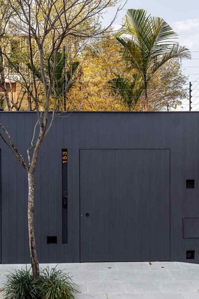 カサララの活気に満ちた現代的な家がサンポールのホモティクスで形をとる(2)