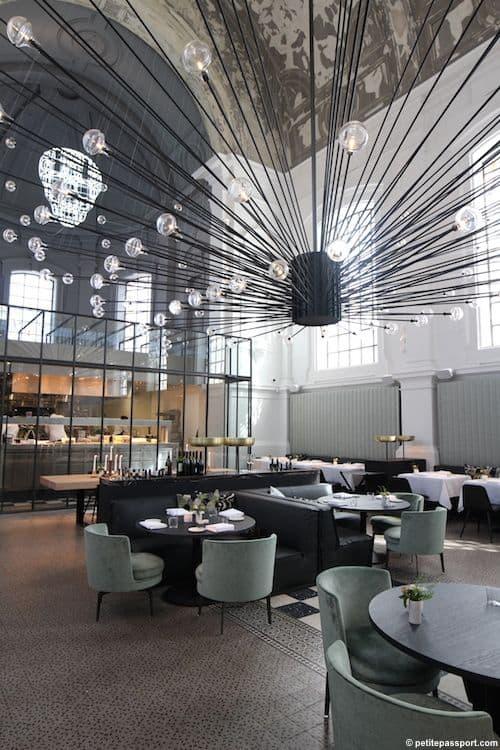 魅力的で人気のある飲食店を作成するために盗むことができる25の興味深いスタイリッシュなレストランのアイデア(1)