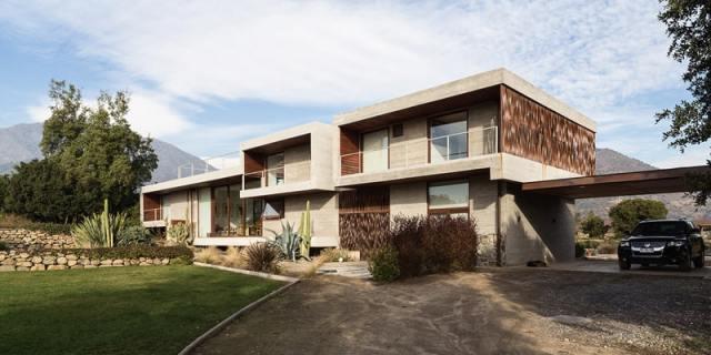 ChauriyeStägerArchitectsによるチリの見事なコンクリートの家(4)