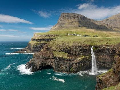画像に含まれる可能性のあるもの:自然、屋外、水、岬、崖、川、海、海、および土地