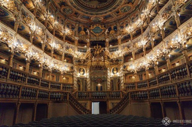 マルビアオペラハウスの豪華な講堂-ユネスコ世界遺産