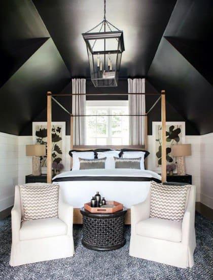 屋根裏部屋のロマンチックなベッドルームのアイデア