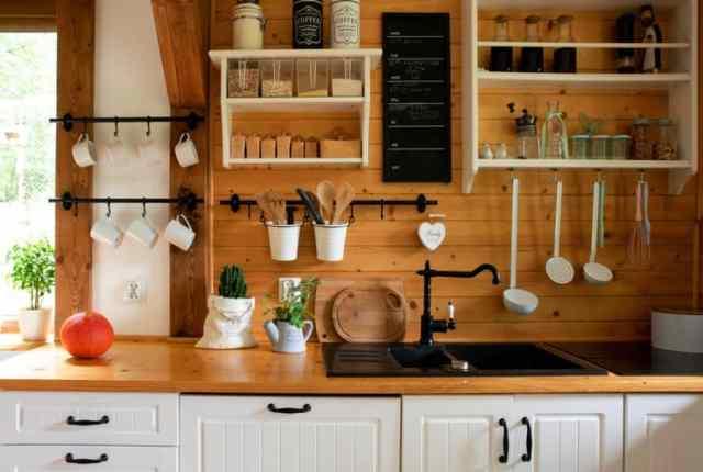 黒板キッチンの壁の装飾のアイデア