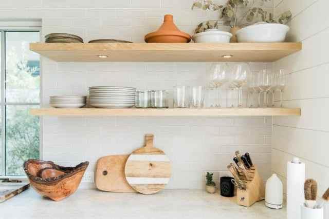 キッチンオーガナイザー棚キッチンの壁の装飾のアイデアtru.studio_