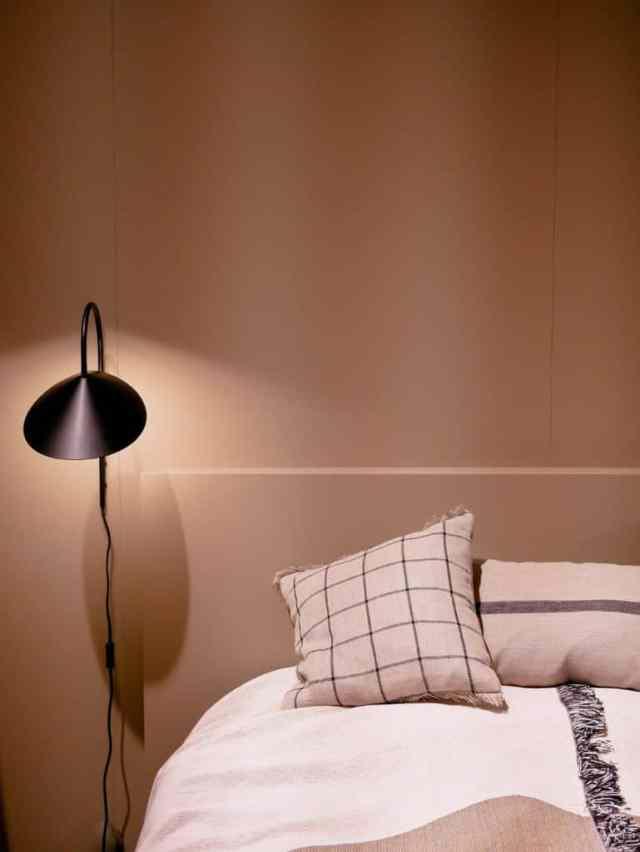 ミニマリストの寝室の照明のアイデア1