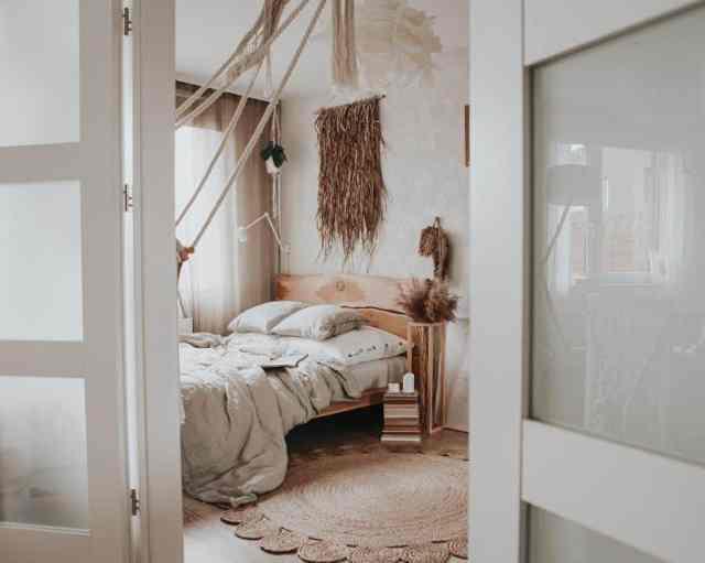 自由奔放に生きる寝室のアイデアのための素朴で自然な装飾karolina.tamtutaj