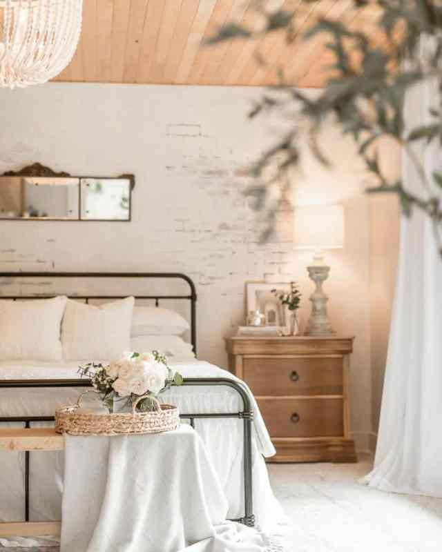 白いロマンチックなベッドルームのアイデアsusies.favorite.things
