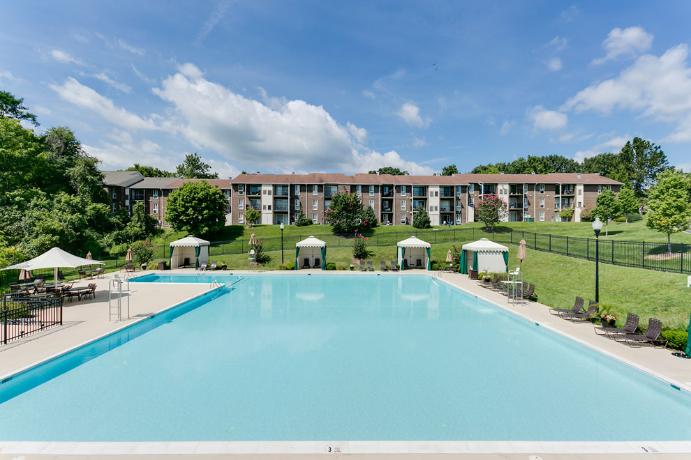 Apartment Complex Swimming Pool in Ellicott City MD