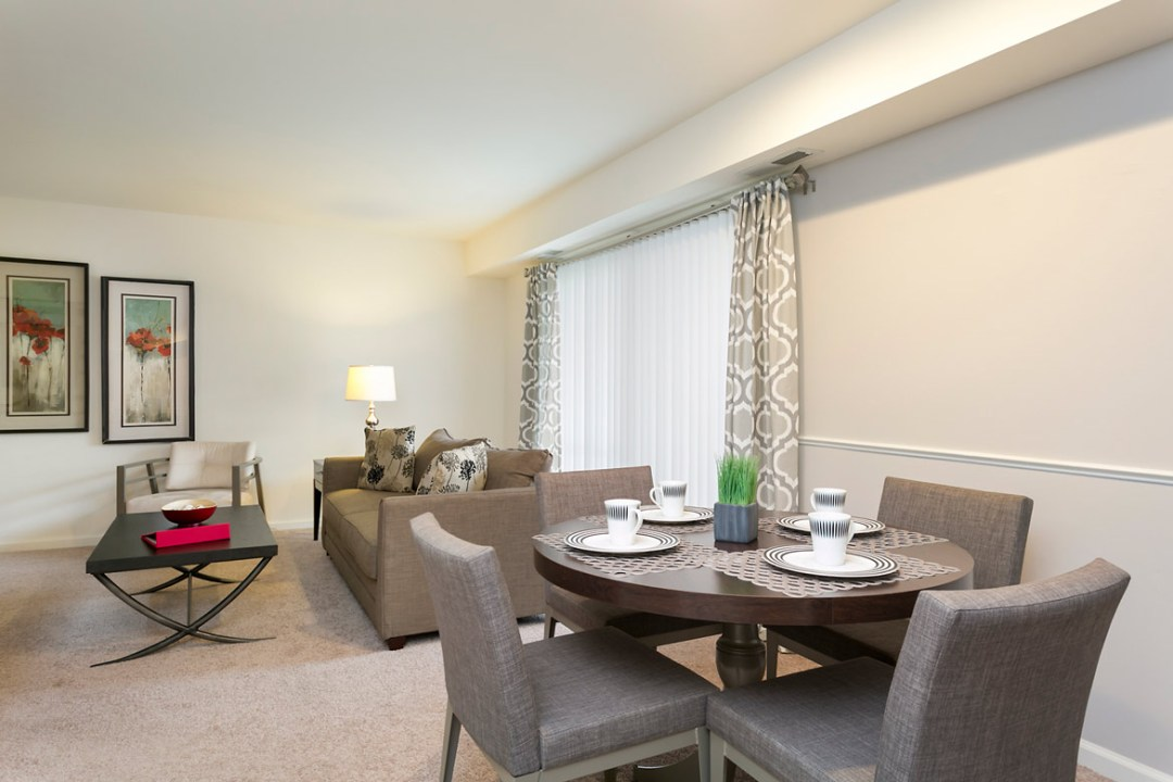 Apartment Living and Dining Room in Ellicott City MD