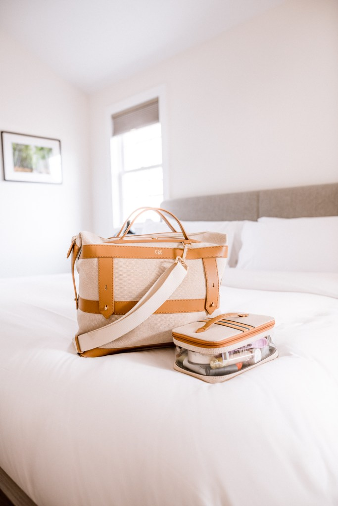 hamptons weekend packing list, hamptons packing list, packing for the hamptons, what to pack for the hamptons | Charmed by Camille