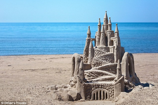 Oliver's Travels Sandcastle Butlers CharmPosh Kids Lifestyle main