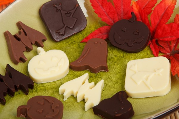 halloween-sweet-treats-charm-posh-3