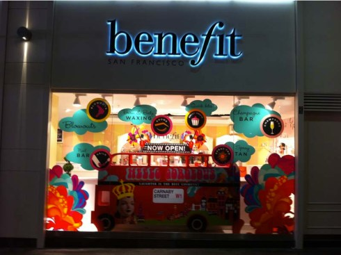 Boutique Benefit Carnaby Street London - Charonbelli's blog beauté