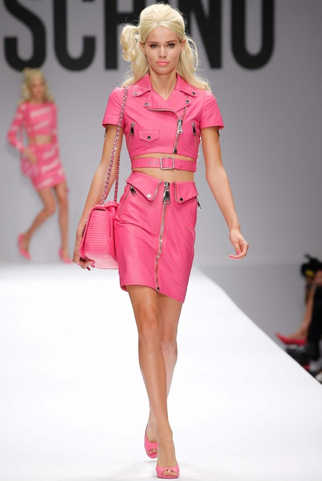 moschino-x-barbie-collection-spring-summer-2014-2015-1-charonbellis-blog-mode